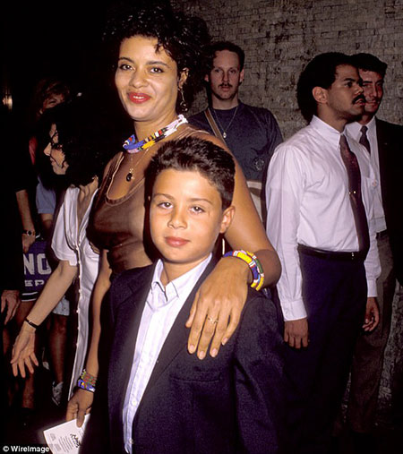 Robert De Niro Bio Family Net Worth Celebrities Infoseemedia Aaron kendrick de niro fits the category who gained fame for being the son of the iconic hollywood superstar, robert de niro. robert de niro bio family net worth