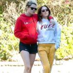 Kristen Stewart dating Sara Dinkin