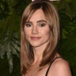 Suki Waterhouse face