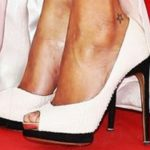 Zoe Saldana did a star tattoo on her ankle