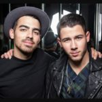 Joe Jonas with his brother Nick Jonas