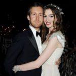 Anne Hathaway and Adam Shulman marriage photo