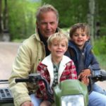Kevin Costner woth his son Cayden and Hayes