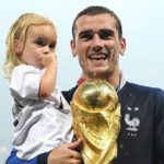 Antoine Griezmann with daughter Mia