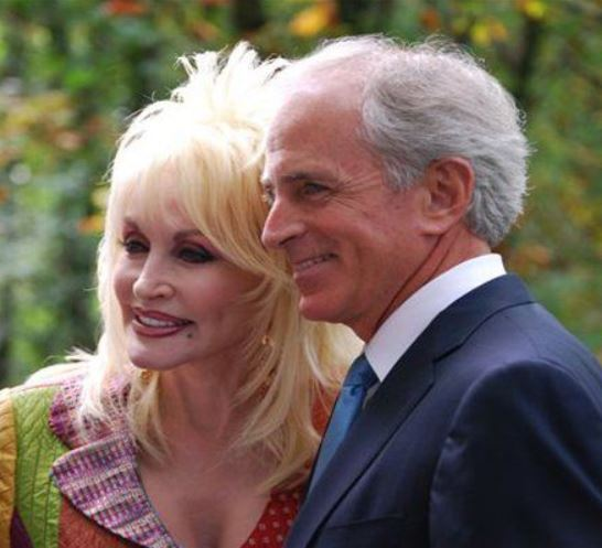 Dolly Parton: Bio, family, net worth, husband, age, height ...