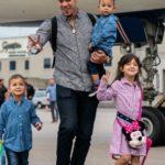 Jose Berrios with his kids