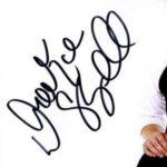 Drake Bell signature