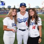 Enrique Hernandez with sisters