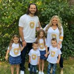Brandon Crawford with his wife and kids