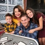 Yasmani Grandal with his wife and kids