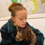 Amybeth McNulty with her pet dog