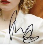 Julia Garner signature