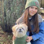 Brooklynn Prince with her pet dog