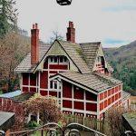 Emma Mackey's house