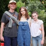 Thomasin McKenzie with her siblings
