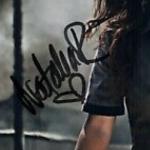 Natalia Reyes signature