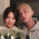 yoo ah-in with his girlfriend Hyekyo Song