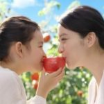 Emi Takei with her daughter
