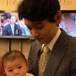 Yûki Furukawa with his son